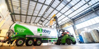 How to transfer products from bulk bags to tankers